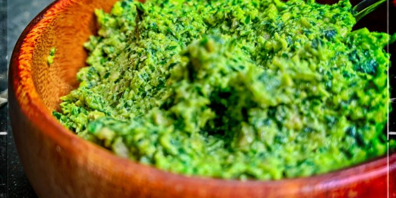 Vegan Kale Pesto recipe made with sunflower seeds - cheap, vegan, oil free.